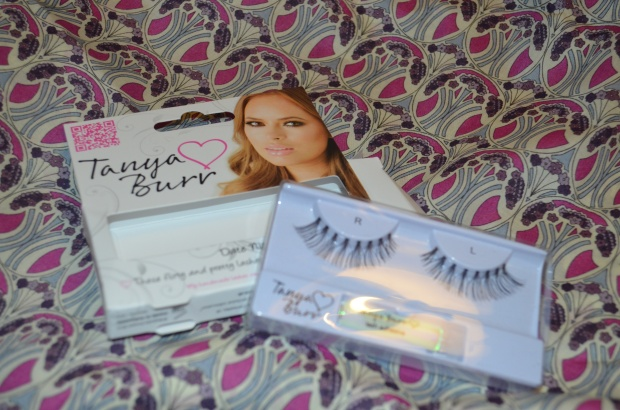 Tanya Burr 'Date Night' Lashes unboxed