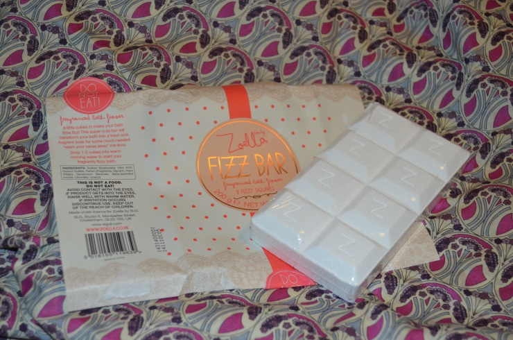 Zoella Beauty Fizz Bar unwrapped