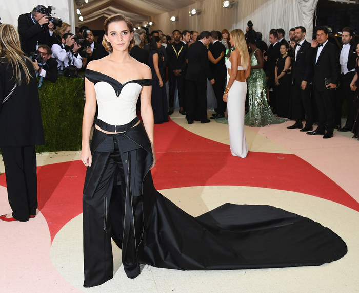 Emma-Watson-Met-Gala-2016-Red-Carpet-Fashion-Calvin-Klein-Tom-Lorenzo-Site-7